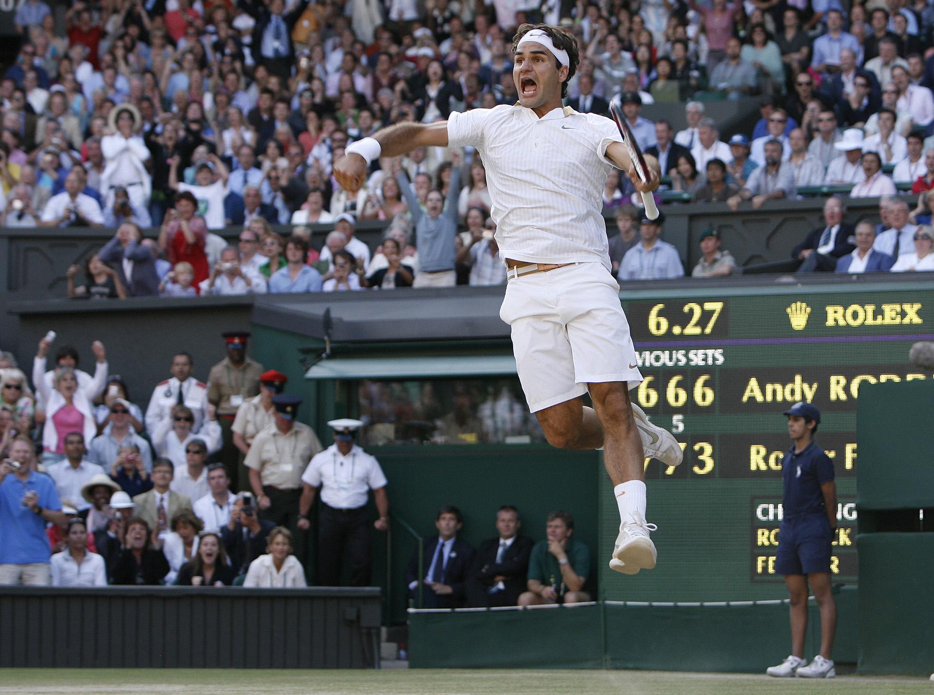 Roger Federer wins Wimbledon